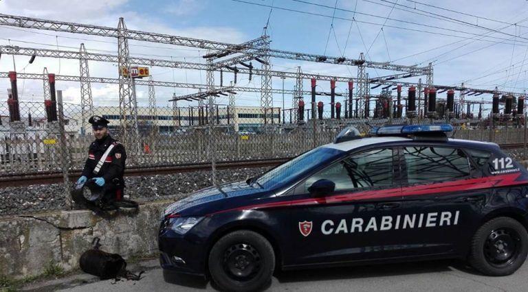 Pescara, ruba un quintale di cavi di rame dalla ferrovia: preso dai carabinieri