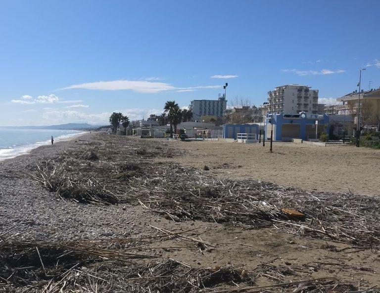 Alba Adriatica smaltimento dei rifiuti spiaggiati: ecco l'ordinanza