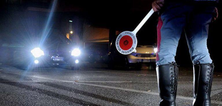 Fuoristrada con il camion nonostante il divieto: autista pescarese nei guai a Rimini