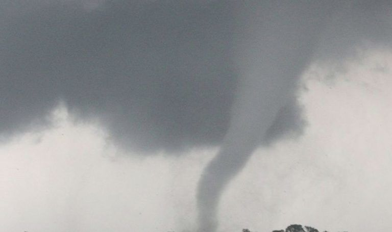 """Italia troppo calda, Cnr: """"Possibili violenti tornado"""""""