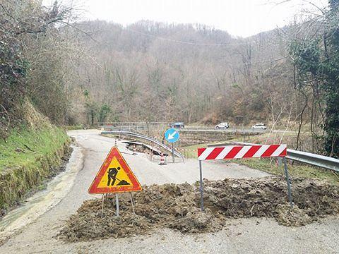 Valle Castellana-Ascoli, la sp49 chiude per lavori: scoppia la polemica