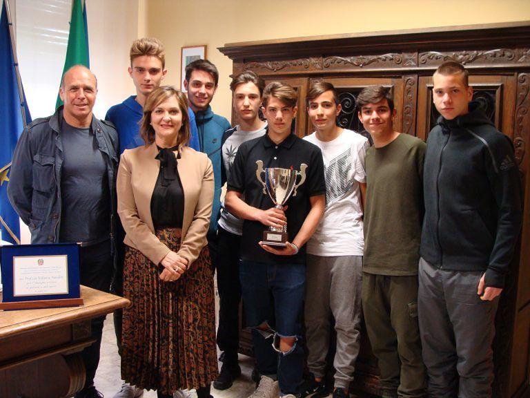 Teramo, la squadra di calcio dell'Istituto Alessandrini approda alla finale nazionale