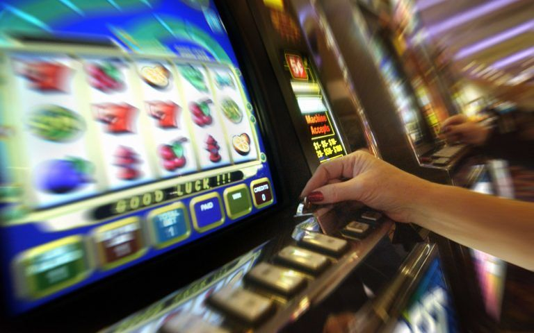 Legge sulla ludopatia: moratoria per nuove sale gioco e slot machine fino al 2020