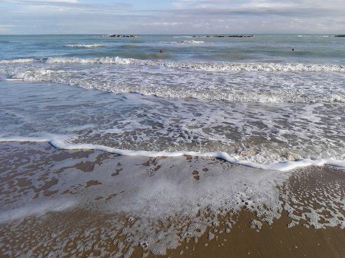 Mare in Abruzzo: 5 tratti non balneabili. Partita la stagione dei prelievi dell'Arta