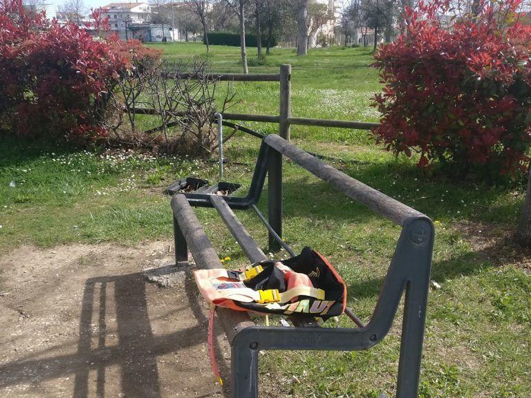 Alba Adriatica, degrado e incuria: pericoli e insidie nei due parchi pubblici FOTO VIDEO
