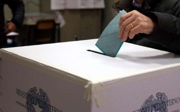 Bocciatura referendum, le reazioni: Marsilio chieda scusa agli abruzzesi