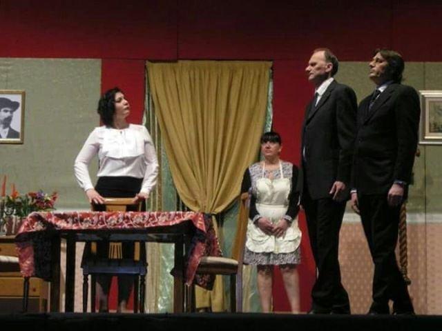 Chieti, al Teatro Marrucino omaggio a Eduardo De Filippo con lo spettacolo 'Non ti pago'