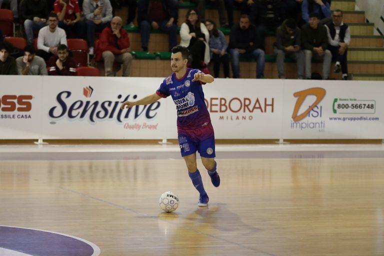 Futsal, pari a Pesaro: Acqua e Sapone in seminale