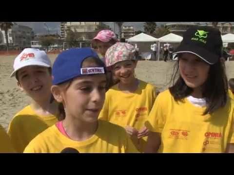 Roseto, Mare d'Amare con i bambini delle scuole (NOSTRO SERVIZIO/FOTO)