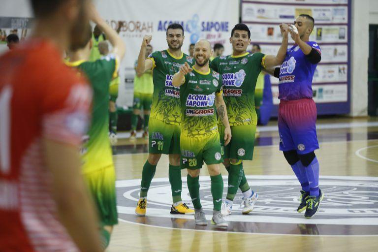 Futsal, quarti di finale-scudetto: primo punto per Acqua e Sapone contro Pesaro