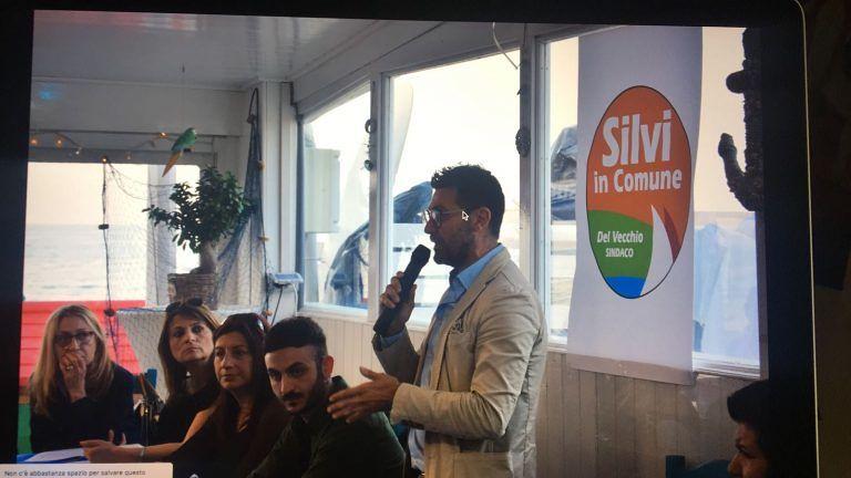 Elezioni Silvi, Del Vecchio si presenta insieme ai candidati FOTO