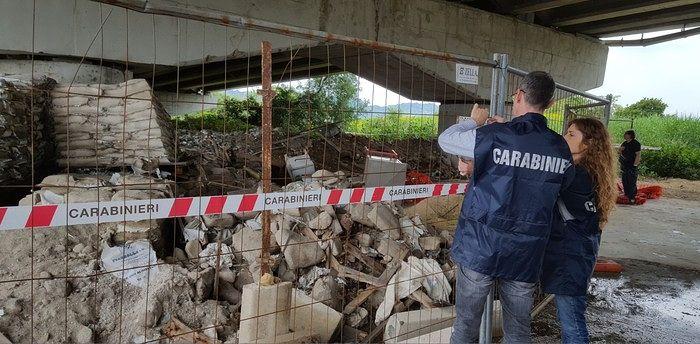 Pescara, discariche abusive al depuratore: indagati 8 dirigenti comunali