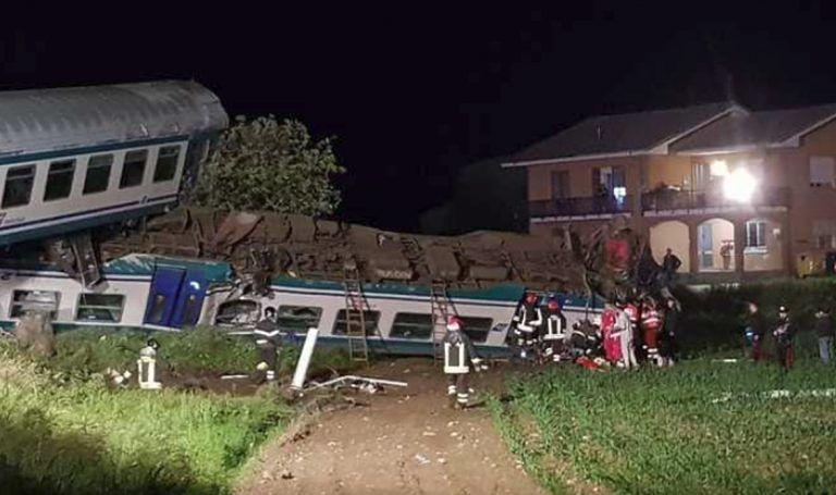 Treno passeggeri travolge camion, due morti e 18 feriti