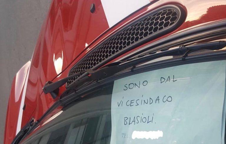 """Pescara, via Battisti: """"Il nome del vice sindaco come pass speciale per il parcheggio"""" FOTO"""