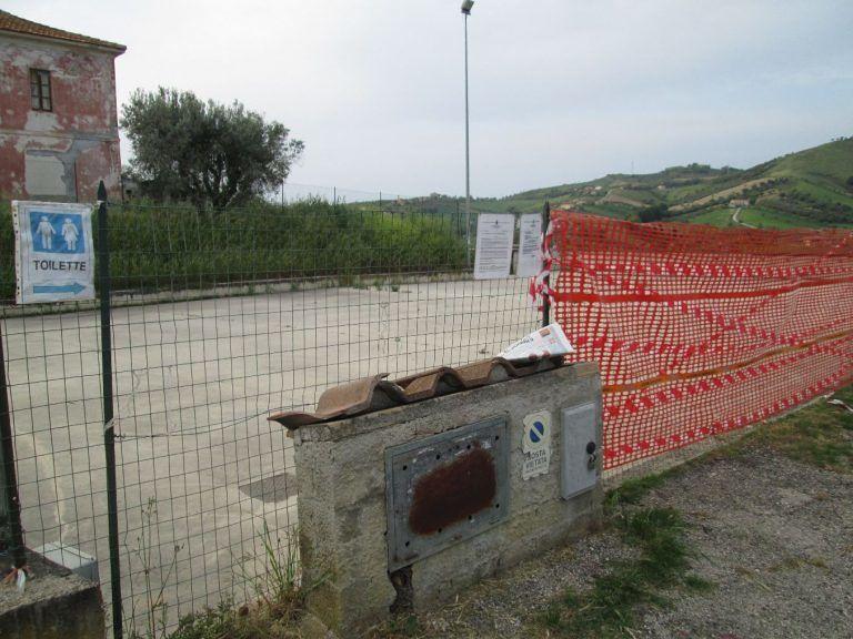 Tortoreto, riaprite la piazza di Cavatassi non interessata dalla frana: la richiesta FOTO