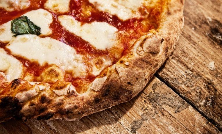 Pazzi per la pizza. In Italia ogni giorno ne vengono sfornate 8 milioni