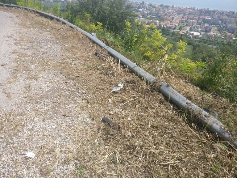 Tortoreto, via Fontanelle e via Belvedere: insidie e pericoli sulla sede stradale FOTO