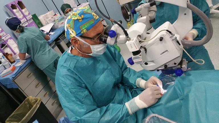 Ospedale Pescara, reparto Oftalmologia tra le eccellenze per retina e cataratta