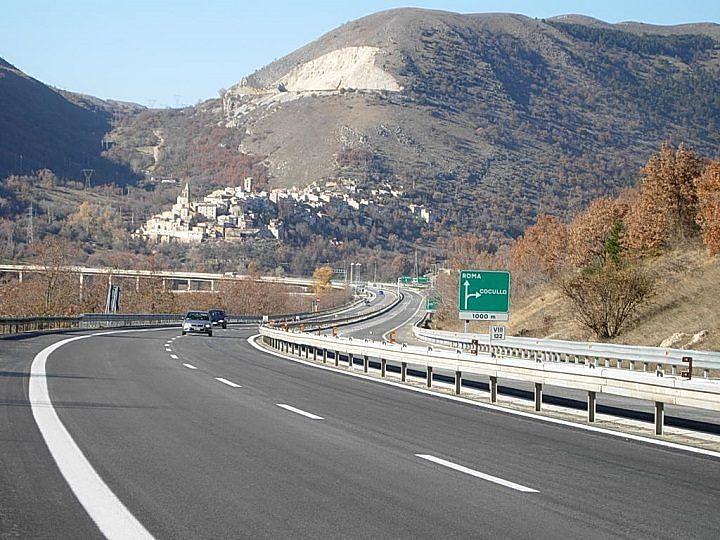 A24, chiusura rampa entrata svincolo Tornimparte