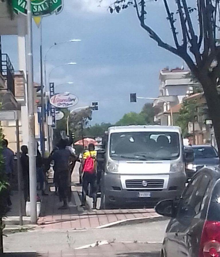 Tortoreto, i migranti tornano ad essere ospitati nell'albergo di Salino