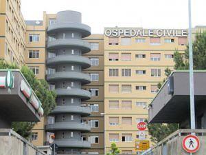 Pescara, scooter contro auto: grave un giovane