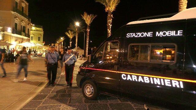 Stazioni mobili e 18 carabinieri in più per l'estate nelle compagnie di Alba Adriatica e Giulianova