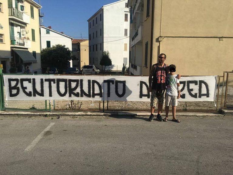 Giulianova, torna a casa l'adolescente folgorato: la foto con il soccorritore