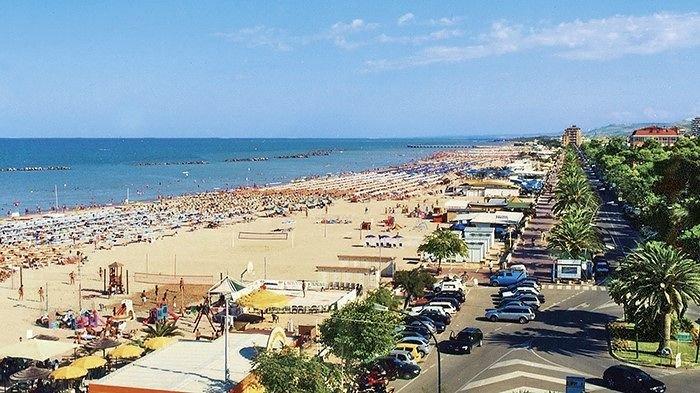 Roseto, piano demaniale: più spiagge libere e zone riservate agli animali da compagnia