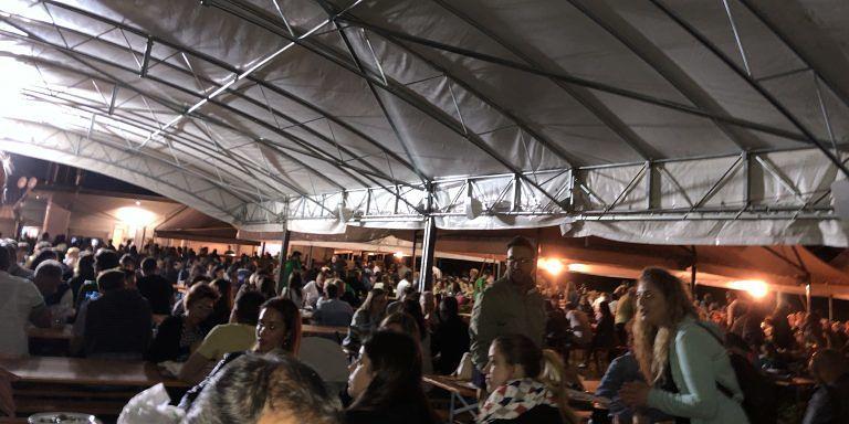 Migliaia di persone hanno affollato Campovalano per la Sagra del Tartufo: strepitoso successo