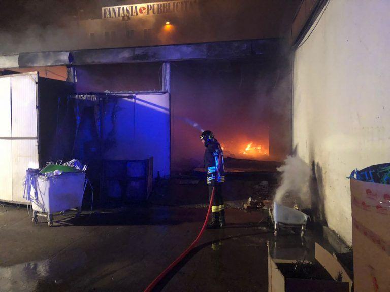 Incendio Sant'Atto, il sindaco di Castellalto vieta consumi di prodotti e uso di condizionatori a Case Molino