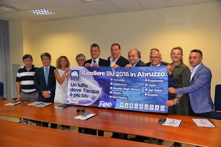 Bandiera Blu, nove comuni abruzzesi viaggiano sulle autostrade con la campagna di promozione