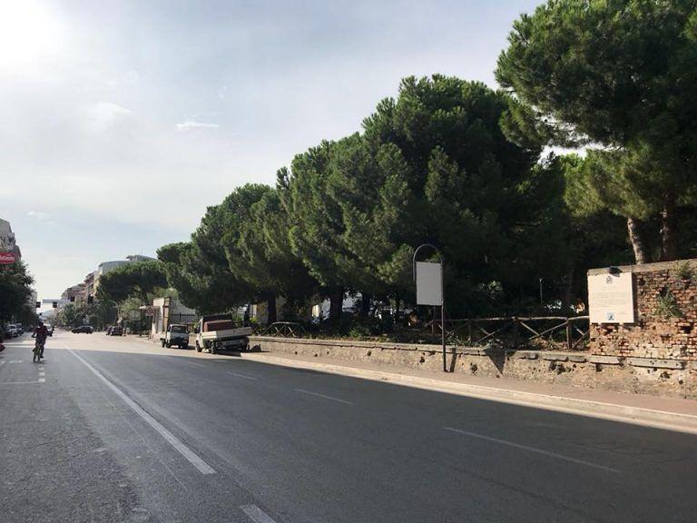 Pescara, stupro al terminal bus: via la siepe su corso Vittorio FOTO