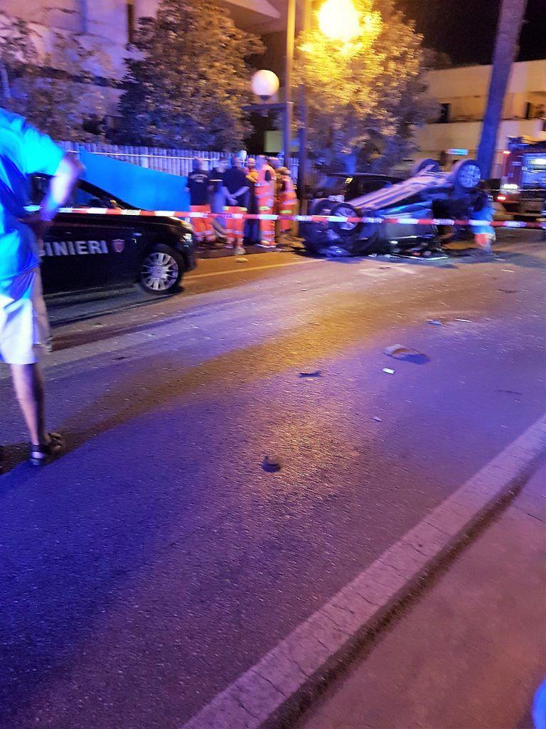 Schianto nella notte a Villa Rosa: muore un giovane. Tre i feriti VIDEO