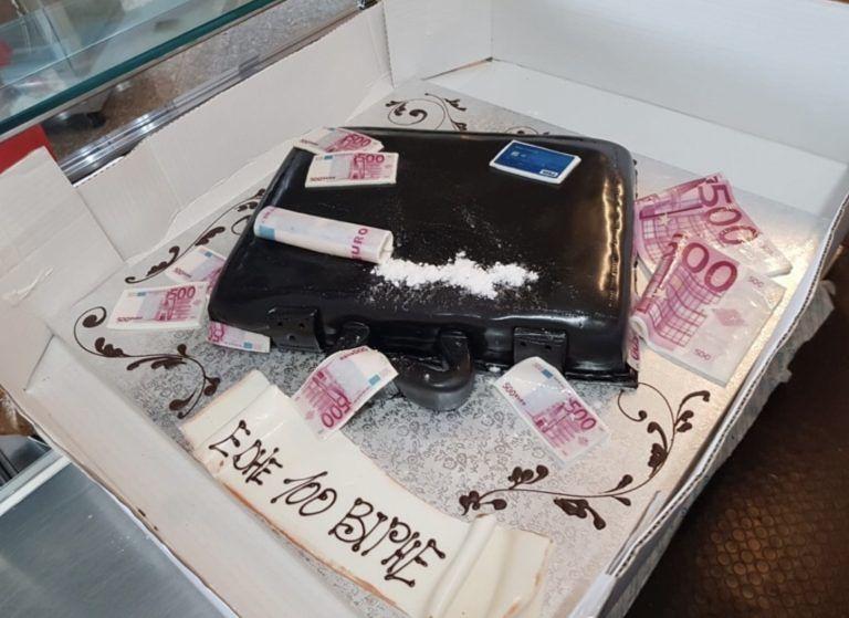 """Teramo, """"Pippa altri cento anni"""": torta di compleanno finisce nel mirino della polizia"""