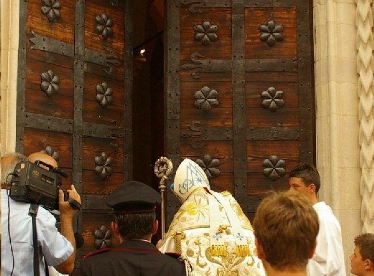 Atri, il rito dell'apertura della Porta Santa IL PROGRAMMA