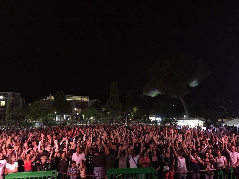 Pineto, l'estate continua: in quattromila al Parco della Pace per la festa della musica anni '80 e '90