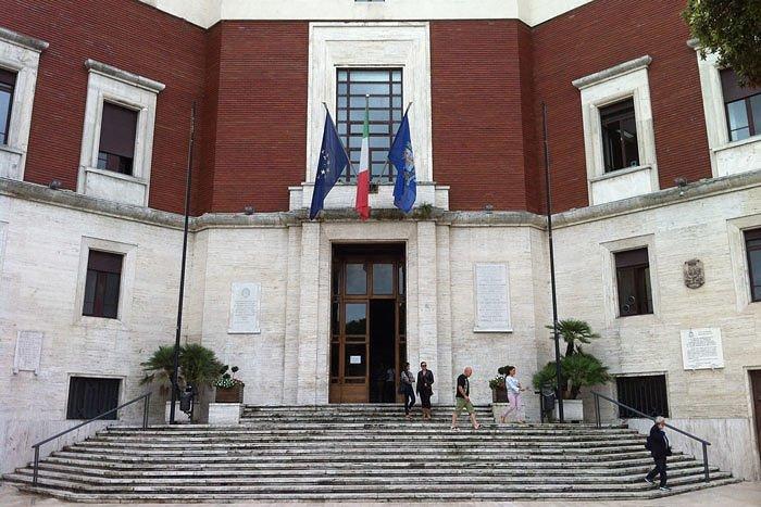 Pescara, doppia cerimonia per i bombardamenti: è polemica