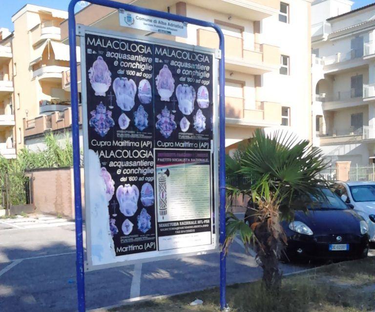 Alba Adriatica, manifesti fascisti: la protesta dell'Anpi FOTO