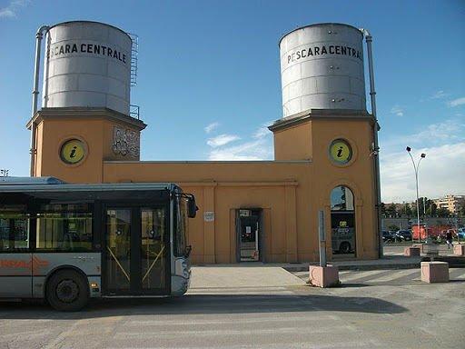 Pescara, donna stuprata al terminal bus: arrestato senegalese