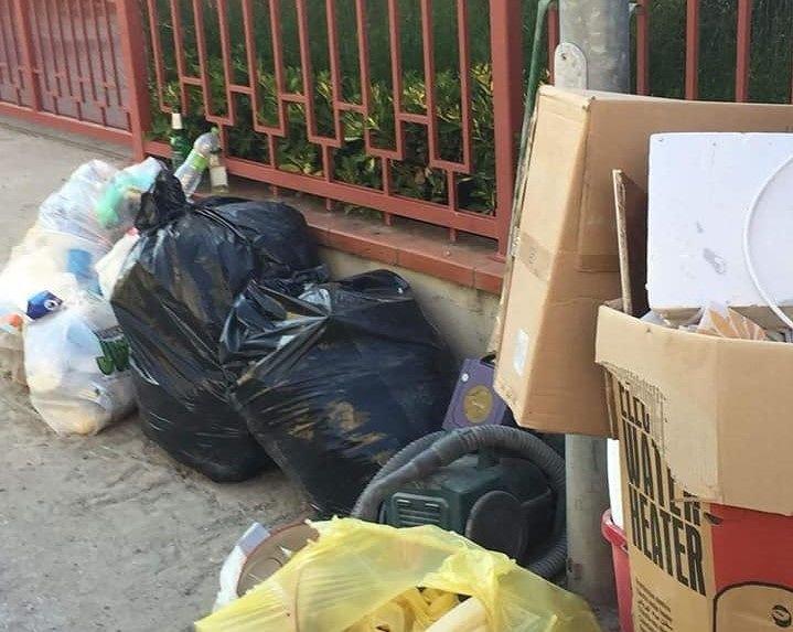 """Alba Adriatica, rifiuti """"abbandonati"""" in strada fuori orario: scattano controlli e sanzioni"""