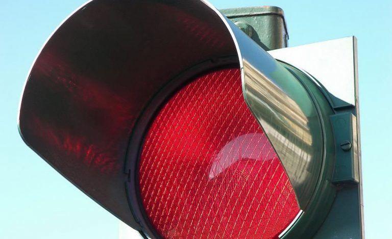 Martinsicuro, il rosso semaforico trasferito all'incrocio con via dei Castani