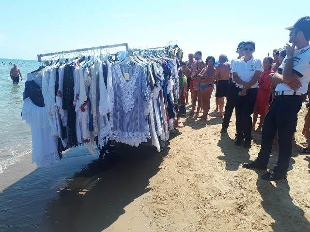 Vasto Marina, sequestrati capi di abbigliamento venduti abusivamente sulla spiaggia