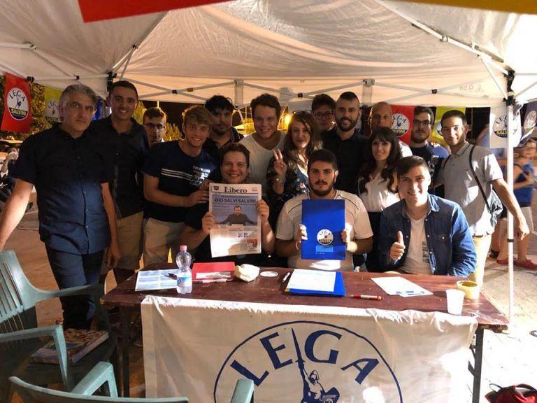 Giulianova, giovani Lega: 'assalto al gazebo da delinquenti'. Solidarietà dal sindaco e FdI