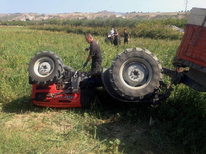 San Salvo, agricoltore muore schiacciato dal trattore