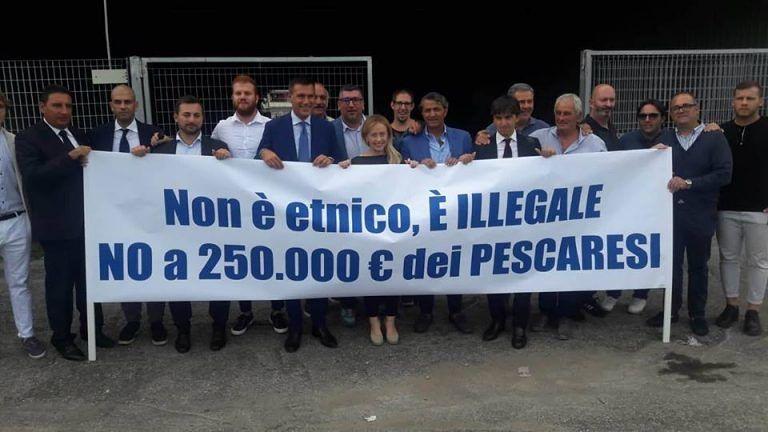 Pescara, Giorgia Meloni contro il mercatino etnico VIDEO-FOTO