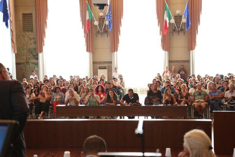 Pescara, genitori in consiglio comunale per la mensa sospesa