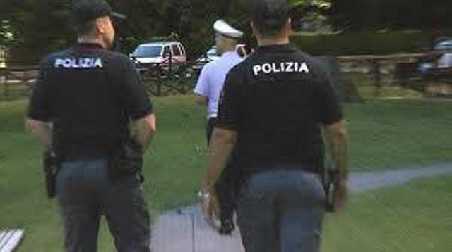 Alba Adriatica, sorpreso con documenti rubati: scatta la denuncia per ricettazione