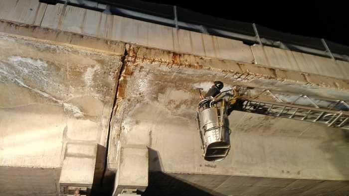 L'Aquila, calcinacci caduti dal viadotto della A24: iniziate le verifiche tecniche