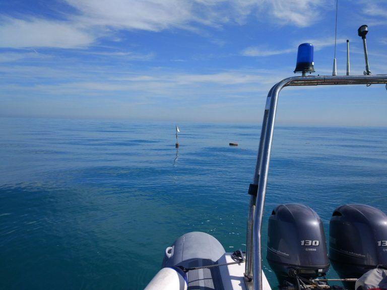 Roseto, recuperata la barca affondata dopo lo scontro con la vongolara FOTO VIDEO
