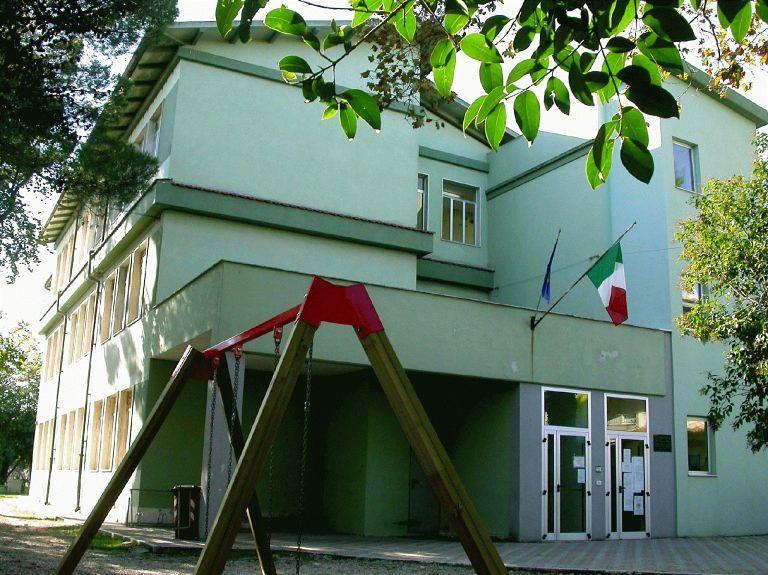 Pescara, lettera al prefetto per le scuole inagibili